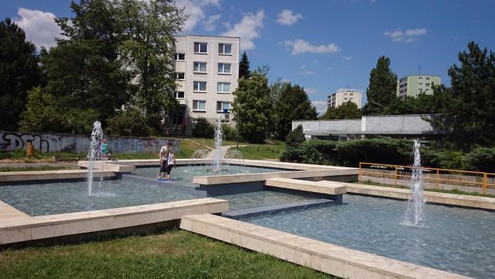 Technologia, fontana na Batkovej ulici, Bratislava